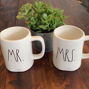 RAE DUNN mug set MR. and MRS.